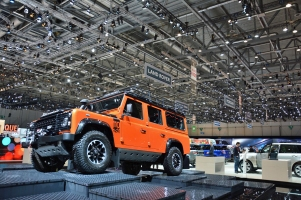 ranwhenparked-geneva2015-land-rover-defender-limited-edition-11