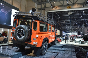 ranwhenparked-geneva2015-land-rover-defender-limited-edition-18
