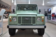 ranwhenparked-geneva2015-land-rover-defender-limited-edition-21