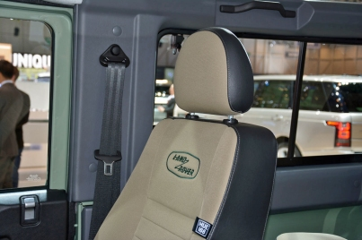 ranwhenparked-geneva2015-land-rover-defender-limited-edition-27