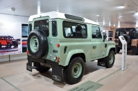 ranwhenparked-geneva2015-land-rover-defender-limited-edition-7