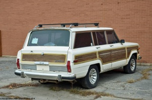 ranwhenparked-jeep-grand-wagoneer-10