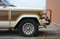 ranwhenparked-jeep-grand-wagoneer-12