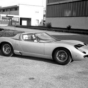 Lamborghini will show the one-off 1968 Miura Roadster concept at Techno Classica
