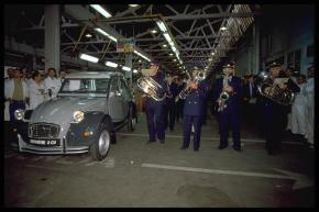 25 years ago: Citroën builds the last2CV