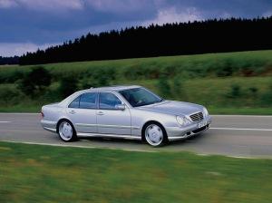 mercedes-benz-e55-w210-sedan-1