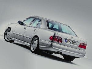 mercedes-benz-e55-w210-sedan-4