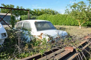 ranwhenparked-peugeot-204-white-1