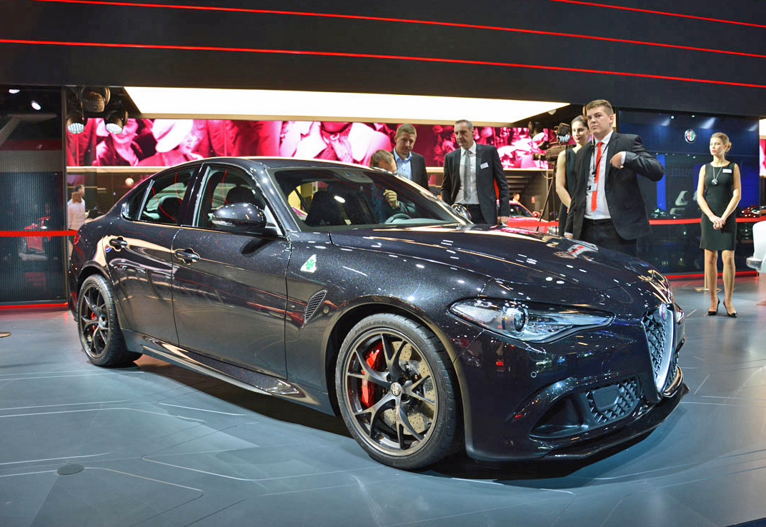 ranwhenparked iaa2015 alfa romeo giulia quadrifoglio verde. Black Bedroom Furniture Sets. Home Design Ideas