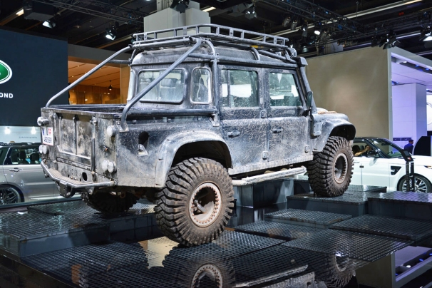 ranwhenparked-iaa2015-land-rover-defender-3