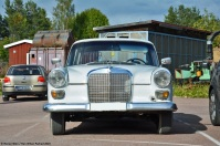 ranwhenparked-mercedes-benz-220d-w110-4