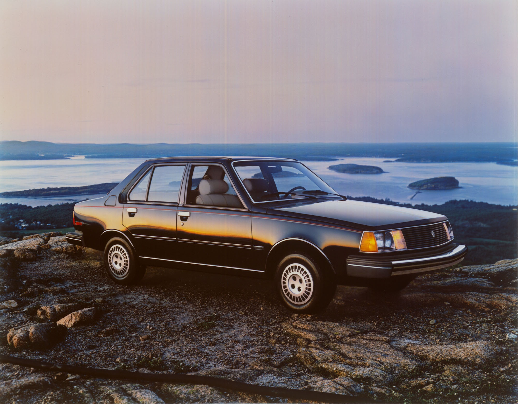 A Look At The U S Spec Renault 18i And 18i Sportswagon Ran When Parked