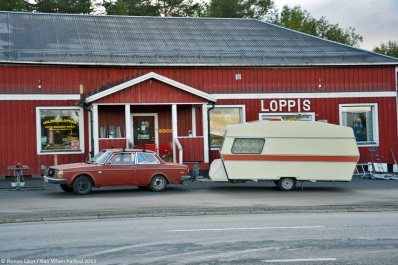 ranwhenparked-sweden-volvo-240-2