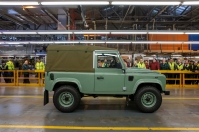 last-land-rover-defender-3