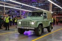 last-land-rover-defender-4