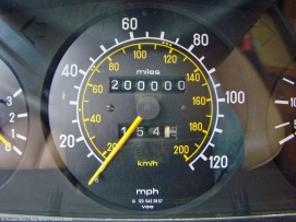 ranwhenparked-mercedes-benz-w123-200000-miles-1