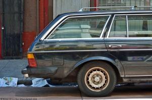 ranwhenparked-mercedes-benz-w123-300td-2