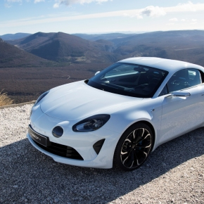 News: Alpine introduces close-to-production Visionconcept