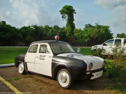 ranwhenparked-renault-dauphine-police-car-louisiana-1