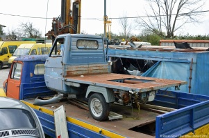 ranwhenparked-piaggio-ape-rust-in-peace-italy-1
