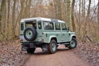 rg-2016-land-rover-defender-2