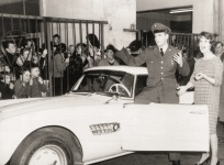 elvis-bmw-507-period-pic
