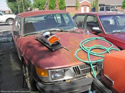 Saab 900 GLE rust in peace