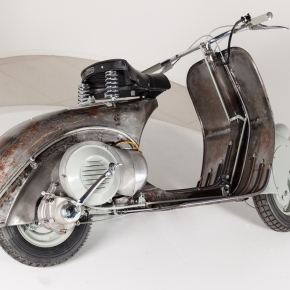 News: a collector is auctioning off the oldest Vespa in the world