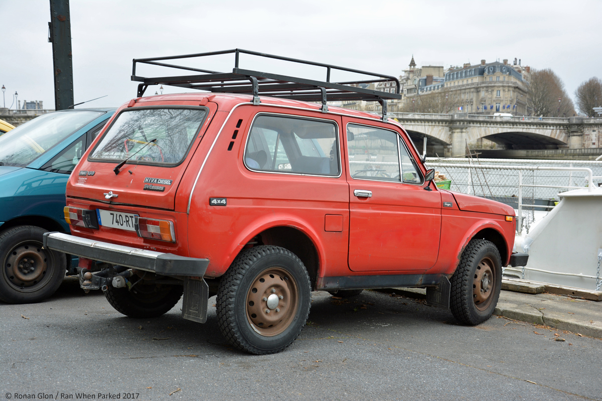 ranwhenparked paris 2017 lada niva diesel 2 ran when parked. Black Bedroom Furniture Sets. Home Design Ideas