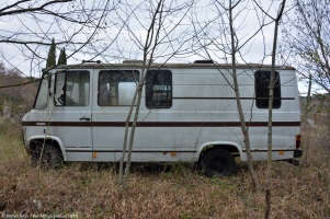 ranwhenparked-rust-in-peace-mercedes-benz-407d-16