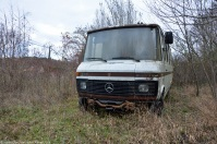 ranwhenparked-rust-in-peace-mercedes-benz-407d-2