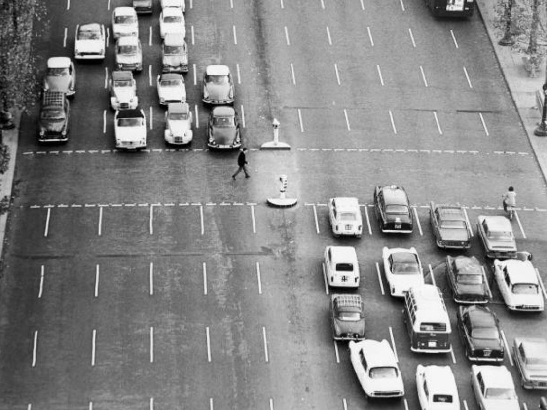 rewind  paris france    ran  parked